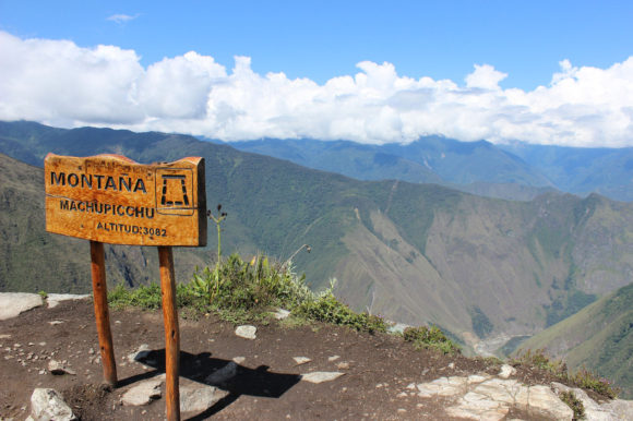 Peru Machu Picchu sign